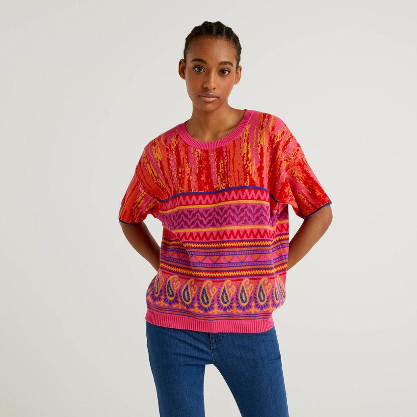 Pullover mit buntem Muster