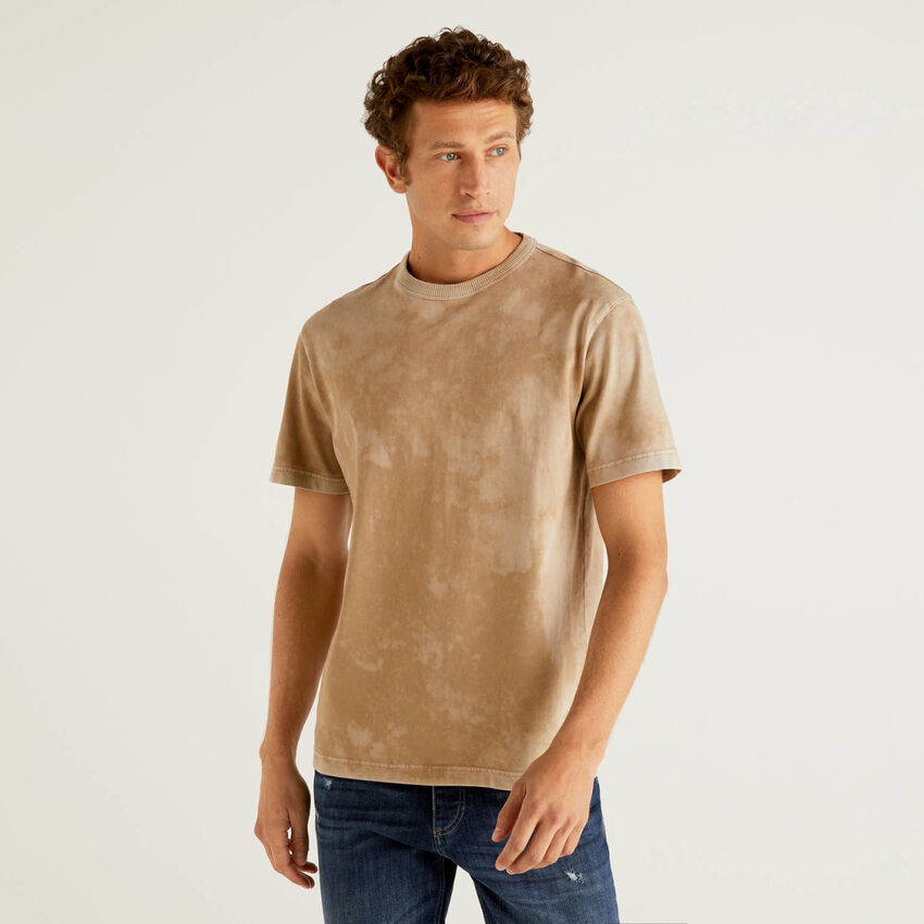 T-Shirt in 100% Baumwolle mit Batikmuster