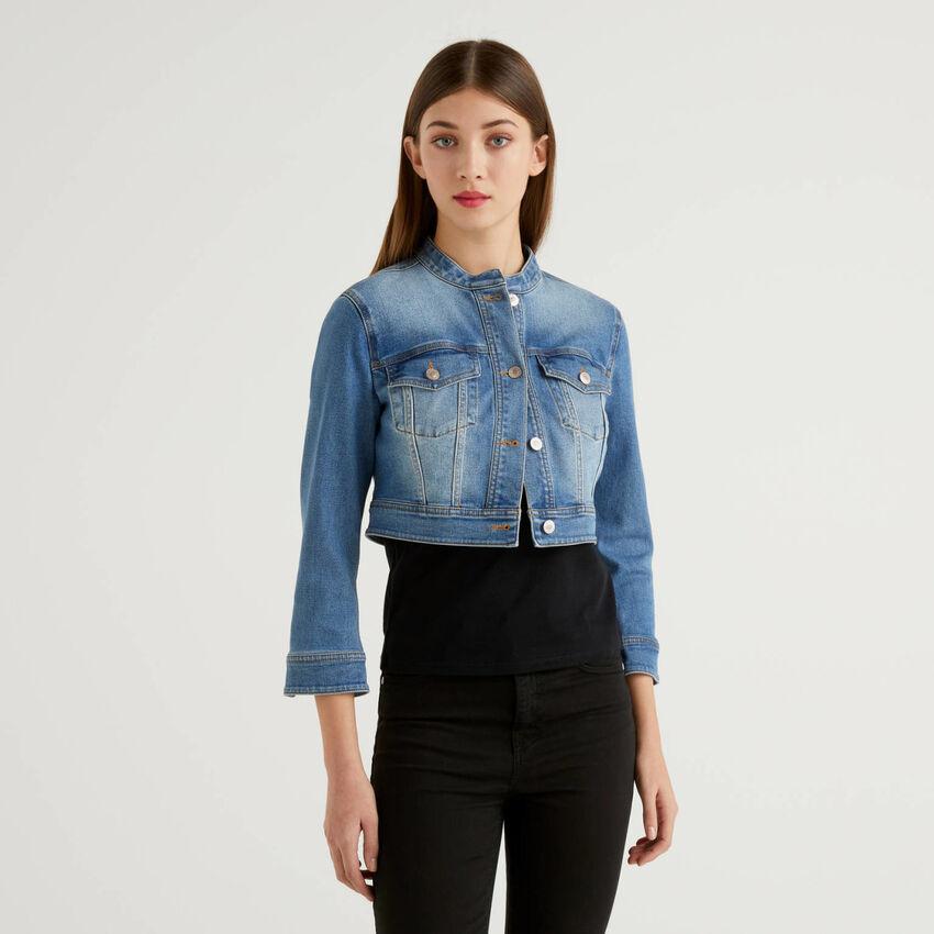 Cropped-Jacke aus Jeans