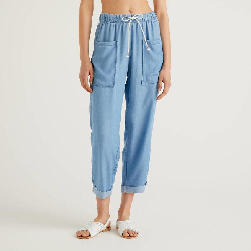 Fließende Hose in Jeans-Effekt
