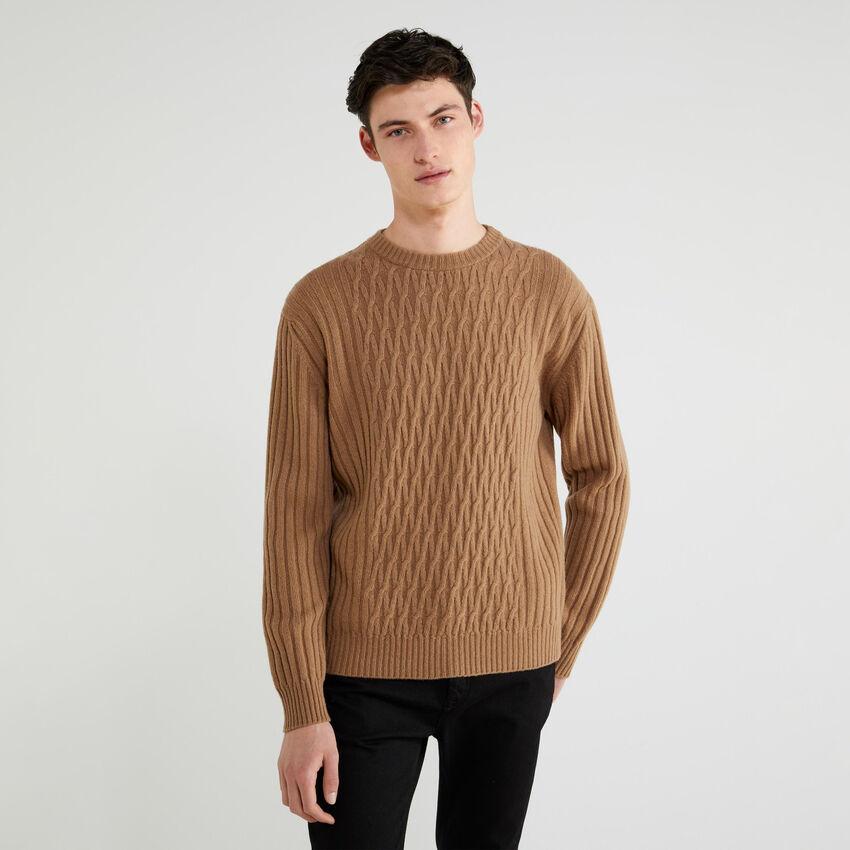 Gerippter Pullover mit Rautenmuster
