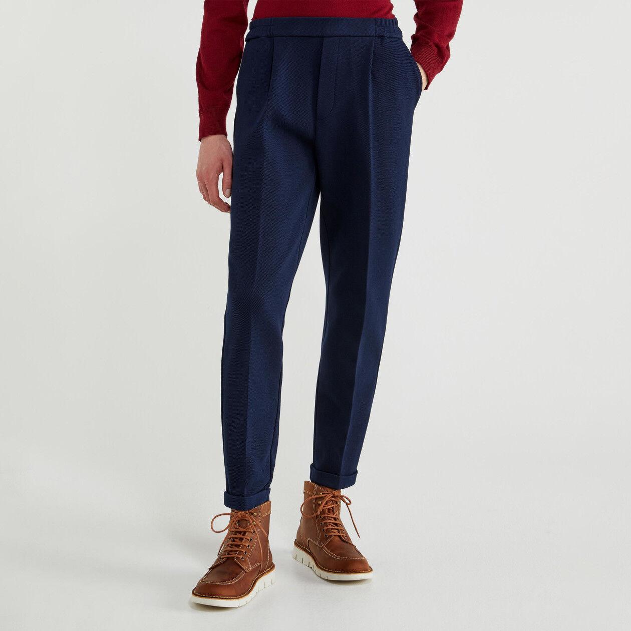 Hose mit Aufschlag