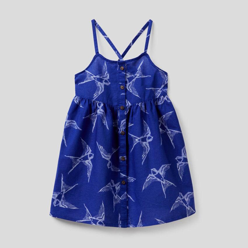 Kleid in einer Mischung aus Baumwolle und Leinen mit Print