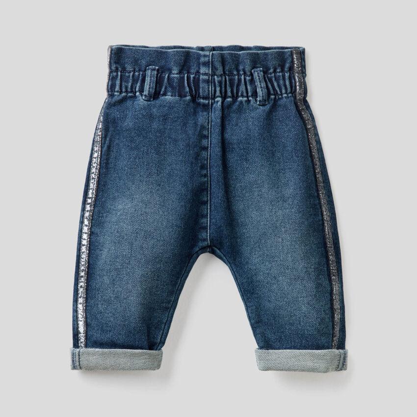 Paperbag-Jeans mit Lurex-Band