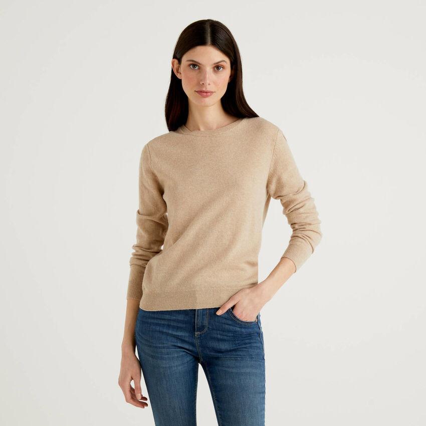 Beigefarbener Pullover aus reiner Schurwolle mit Rundausschnitt